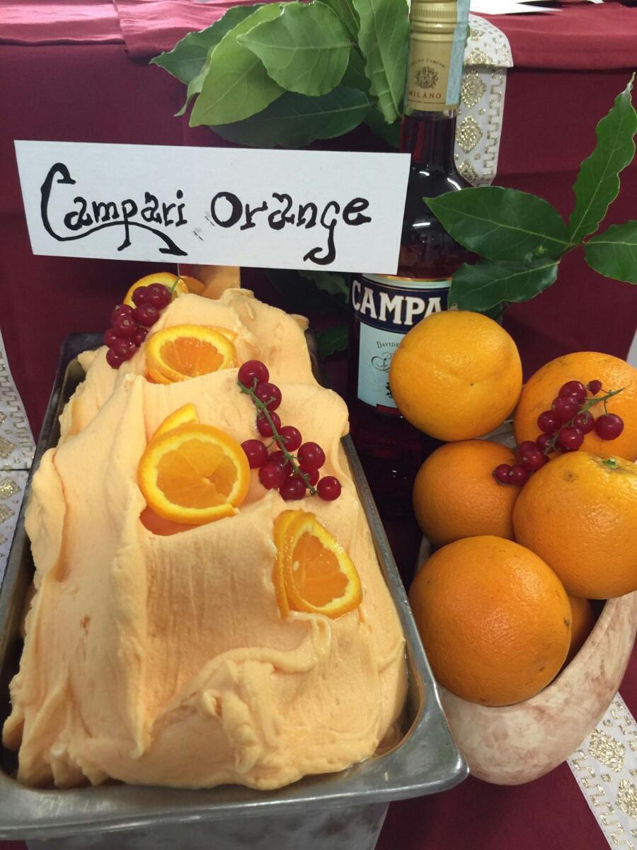 Gelato artigianale Campari orange|Pasticceria Mosaico Aquileia